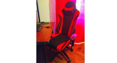 Игровое кресло LotusS4 красная ткань